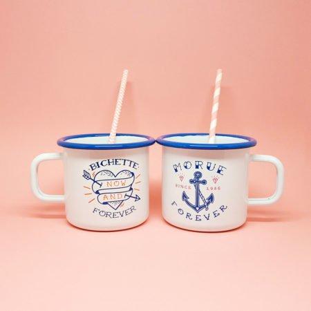 duo de tasses en émail blanche et bleue bichette forever et morue forever