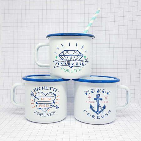 trio de mugs émaillés blancs et bleus poulette bichette morue