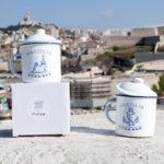 tasses émaillées avec capuchon Massilia forever
